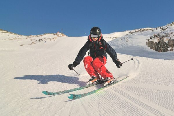 The 5 Best Ski Jackets of 2021 – Unbiased Reviews & Purchasing Guide